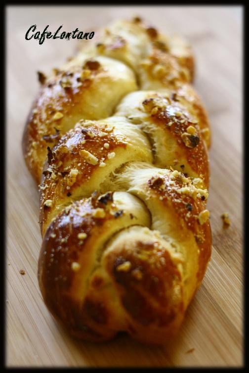Bir sabah keyfi: Paskalya çöreği ve kahve…