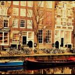 Amsterdam'da Kanallar Arasında Gezinti...